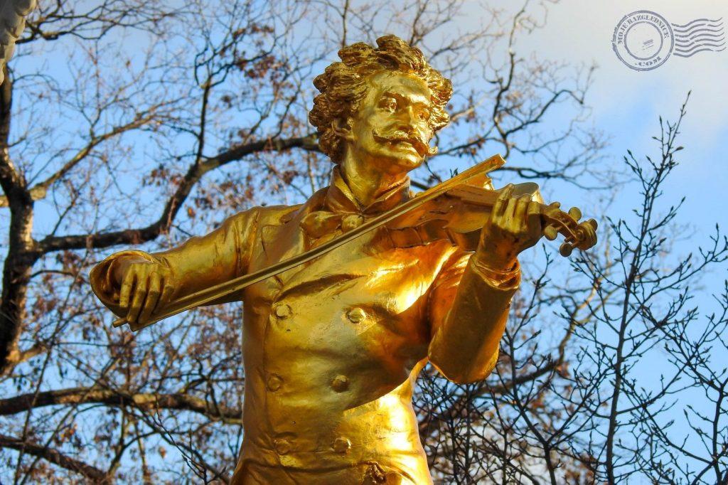Mozart statue vienna