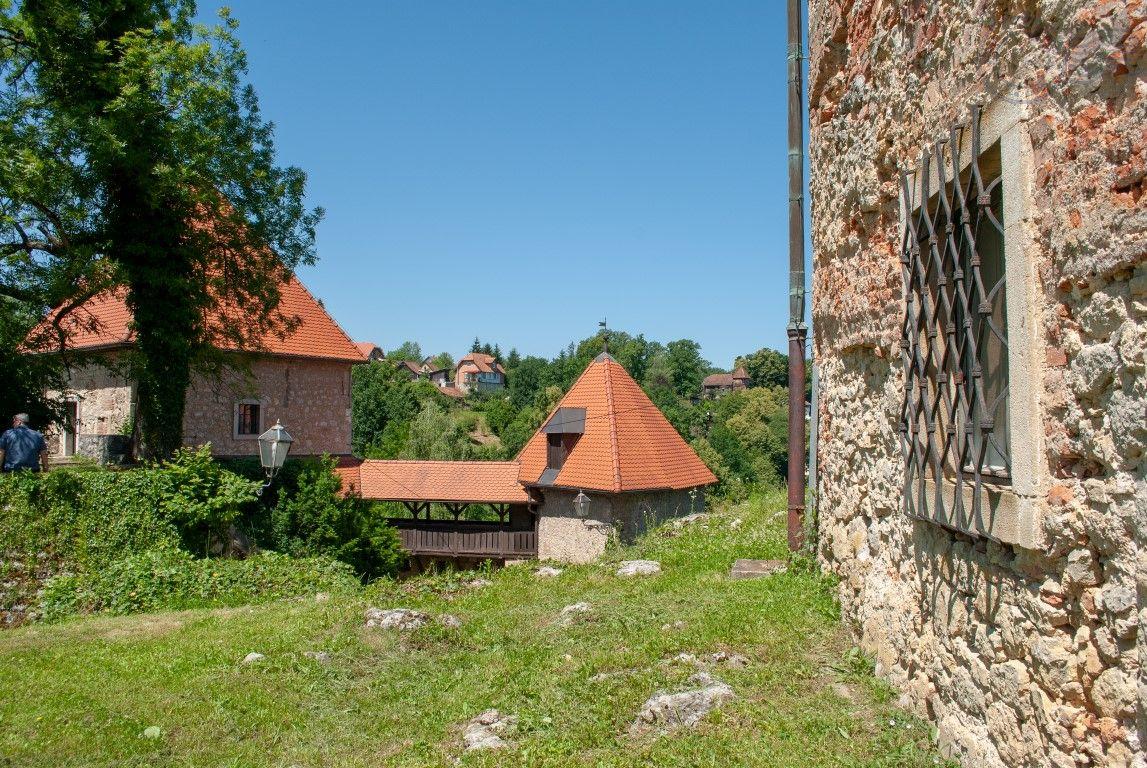 Ozalj utvrda, Ozalj stari grad, zidine