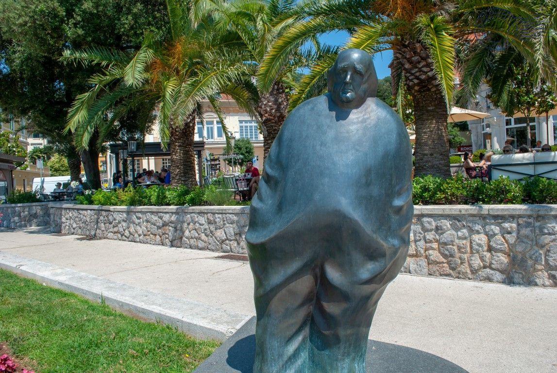 Spomenik Miroslavu Krleži